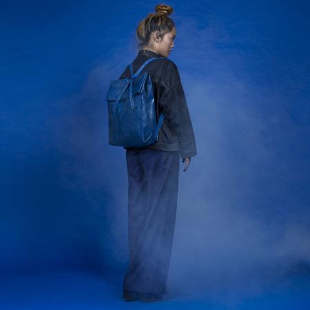 01-trueblue-gallery-wearingstyle-kowalski